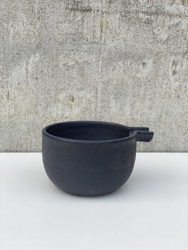 Lille keramik skål med tud